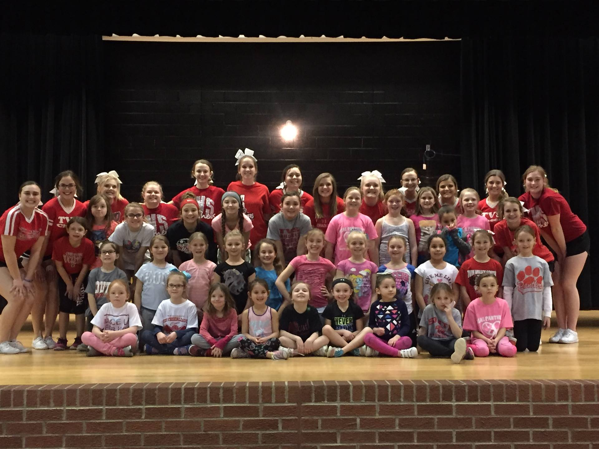 Youth cheer camp participants